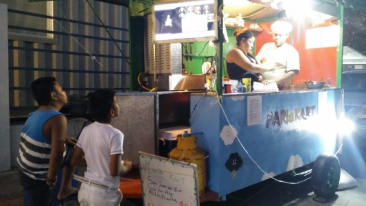 Street food & Mario Kart
