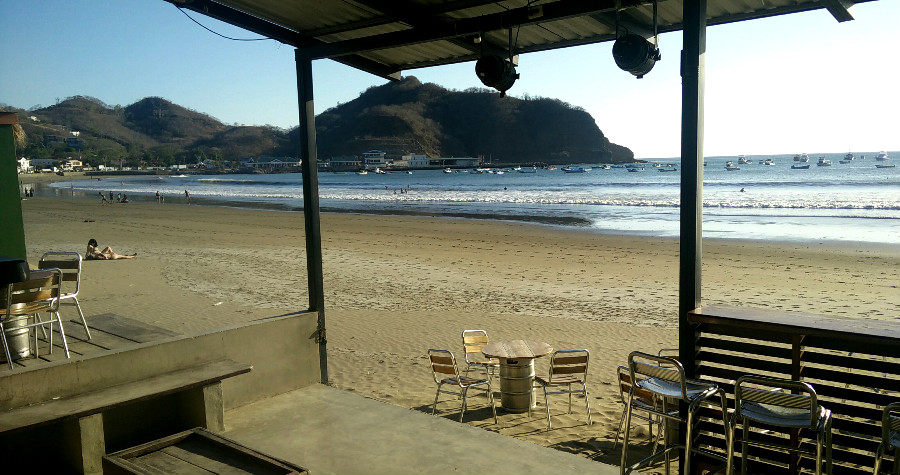Lunch time drinks at Arribas Bar. The calm before the Semana Santa storm.