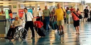 Helpers at Aeropuerto Internacional Augusto C Sandino