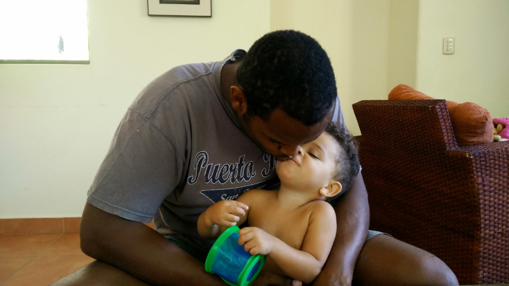 Daddy kisses are the best
