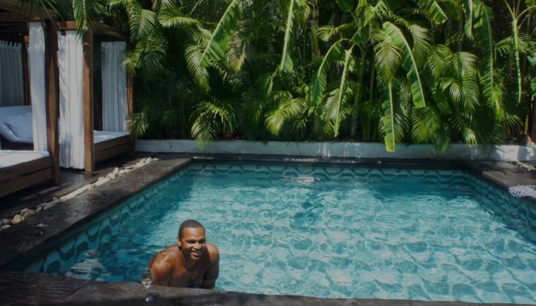 K in Pool